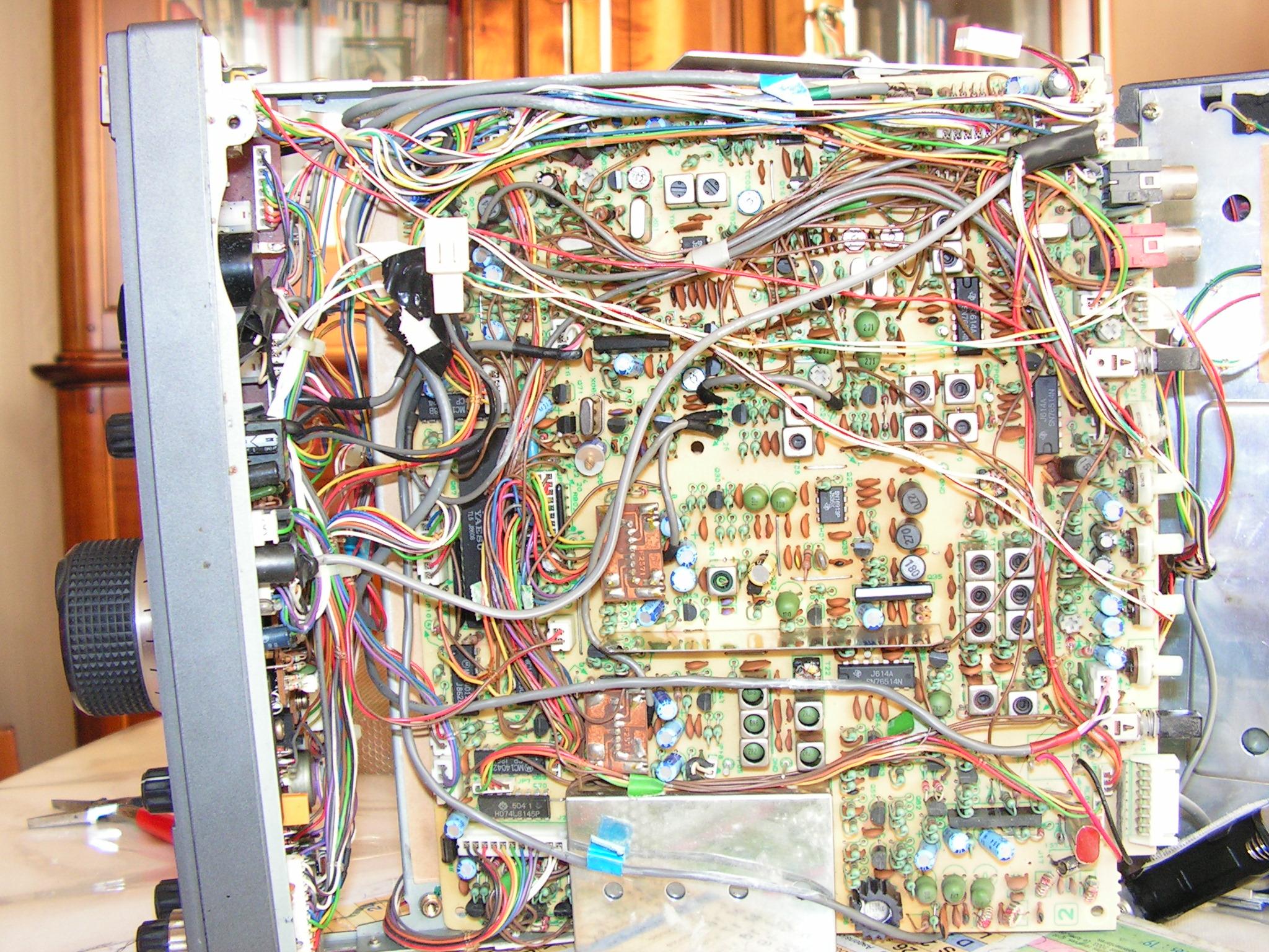 Remplacement de pile FT757 - Perte de mémoire Ft757-03