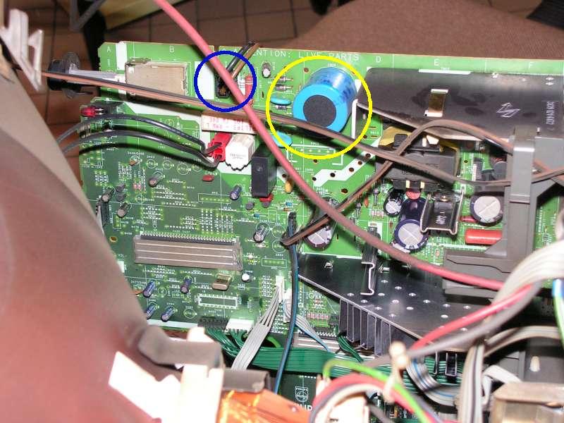 Repérer et décharger le condensateur du téléviseur/moniteur Condensateur-a-decharger